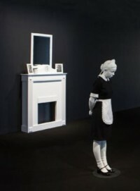Elmgreen & Dragset, White Maid, 2014, Aluminiumguss, Stahlkonstruktion, Lack, Kleidung