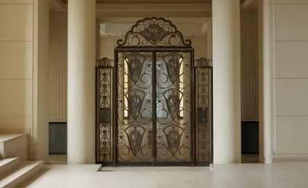 "Trisha Donnelly, Untitled, 2016, Installationsansicht ""Trisha Donnelly"", Serralves Villa, Serralves im Museum of Contemporary Art, Porto, 1. Juli – 10. September 2016"