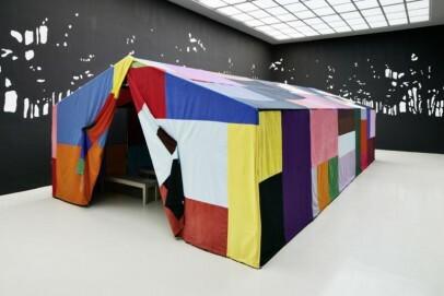 Ulla von Brandenburg, Drinnen ist nicht Draußen, 2014, Installationsansicht im Kunstverein Hannover