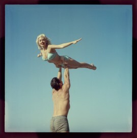 Jane Mansfield, Mickey Hagarty, Colordia, 6 x 6 cm, 1955