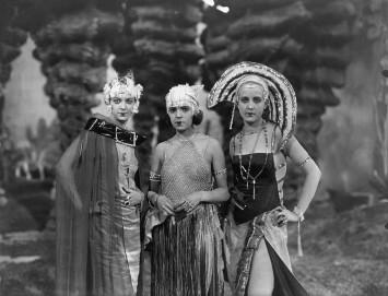 Damen in den Ewigen Gärten, Metropolis (Fritz Lang, 1927)
